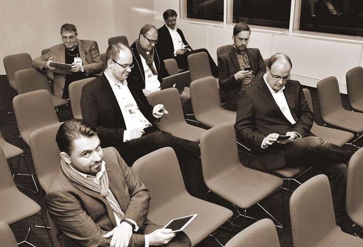 Dirk Emminger (FI-TS), Udo Gimbel (http://magazin.sparkasse-witten.de), Martin van Lessen (http://nextgenerationfinance.de), Axel Liebetrau (http://axel-liebetrau.de), Alexander Renner (FI-TS), Maik Klotz (http://www.klotzbrocken.de/#blog), Ralf Keuper (http://bankstil.blogspot.de) (von links, Foto: Christian Dietz)