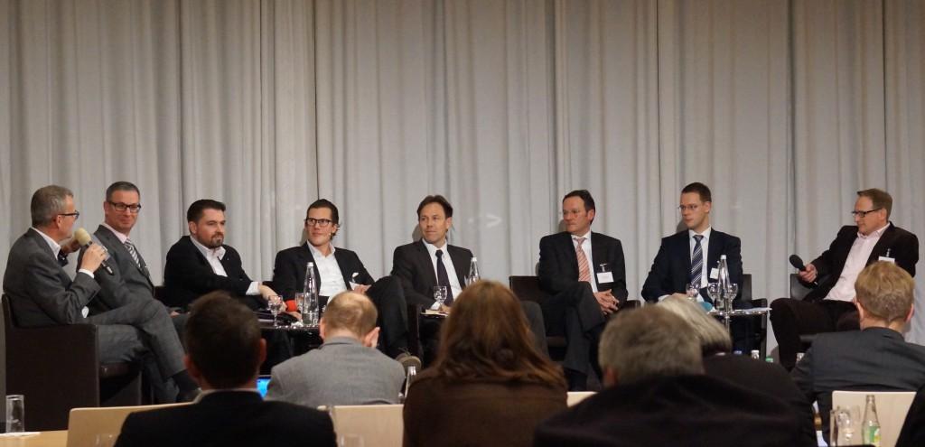 Experten der Unternehmen Barracuda Networks, Brainloop, Finanz Informatik Technologie Service, IBM, Materna und CRISP Research