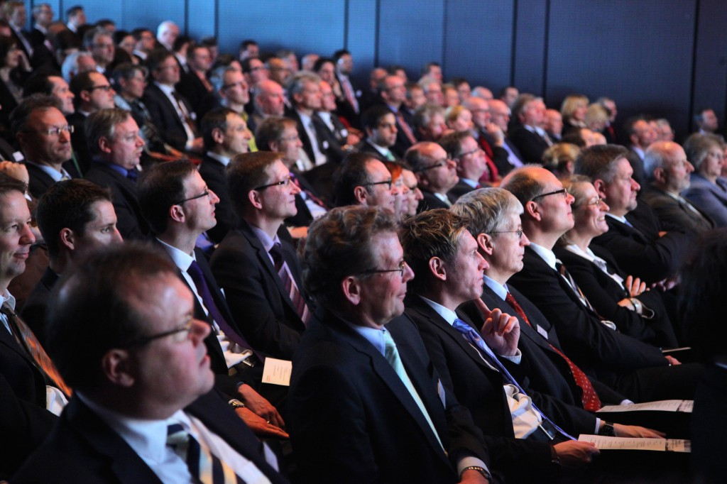 Publikumsbild_14_FI-TS_Management-Forum-200