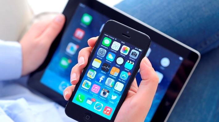 Smartphones und Tablets erleichten den Zugriff auf Social Media
