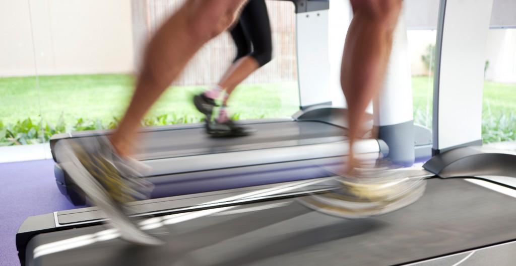 FI-TS_Fitness_Laufband_Versicherungen