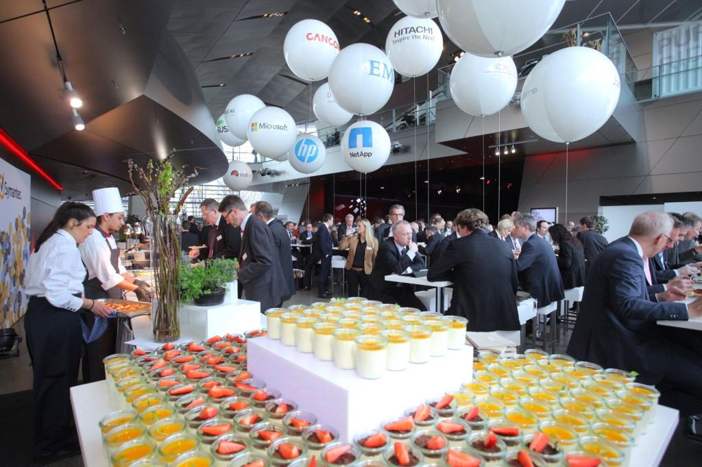 FI-TS_Management-Forum-2015-Mittag mit Desserts